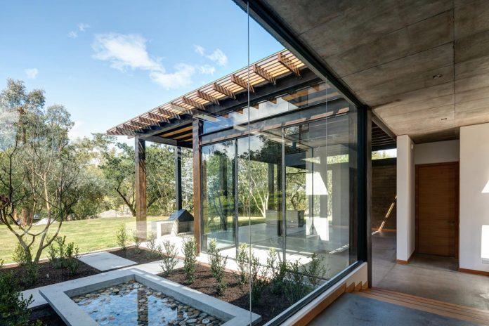 Home Design Quito Part - 32: ... Great Extent Of The Lot, Most Of The Spaces Are Located On The Ground  Level. Only Two Bedrooms And A Studio Are Placed On The Second Floor. The  House ...