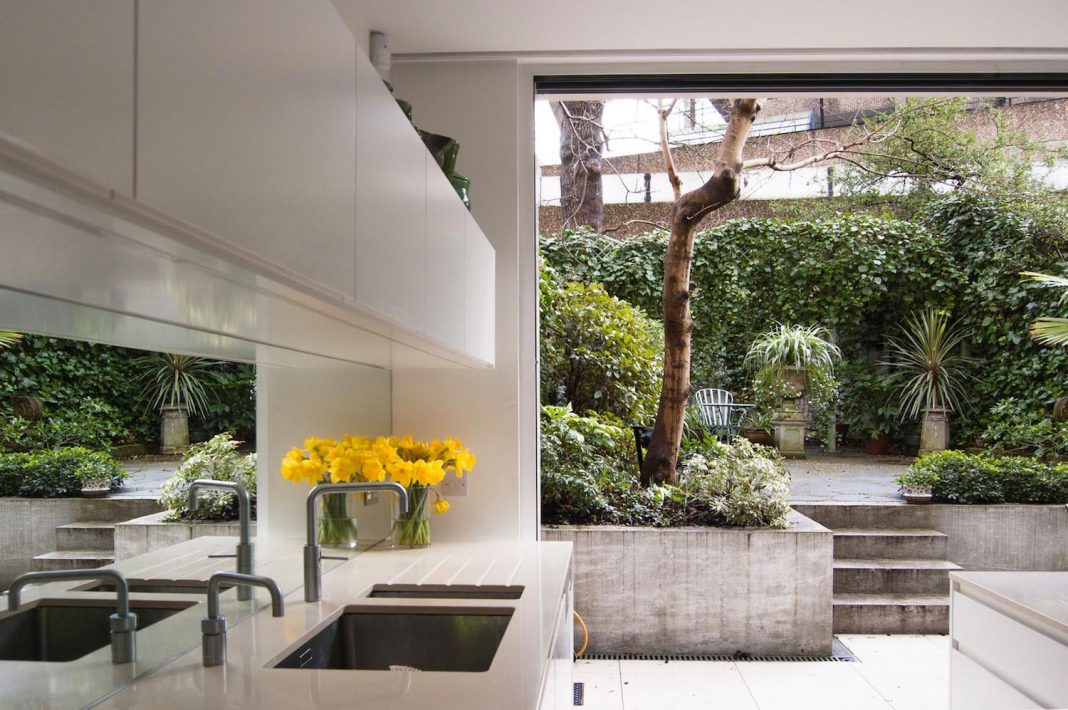 Modern alteration to a Victorian-era, Italianate-style terrace house in London