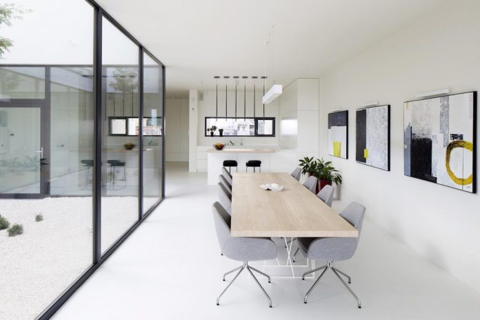 Single family house in Gliwice, Poland by INOSTUDIO | CAANdesign
