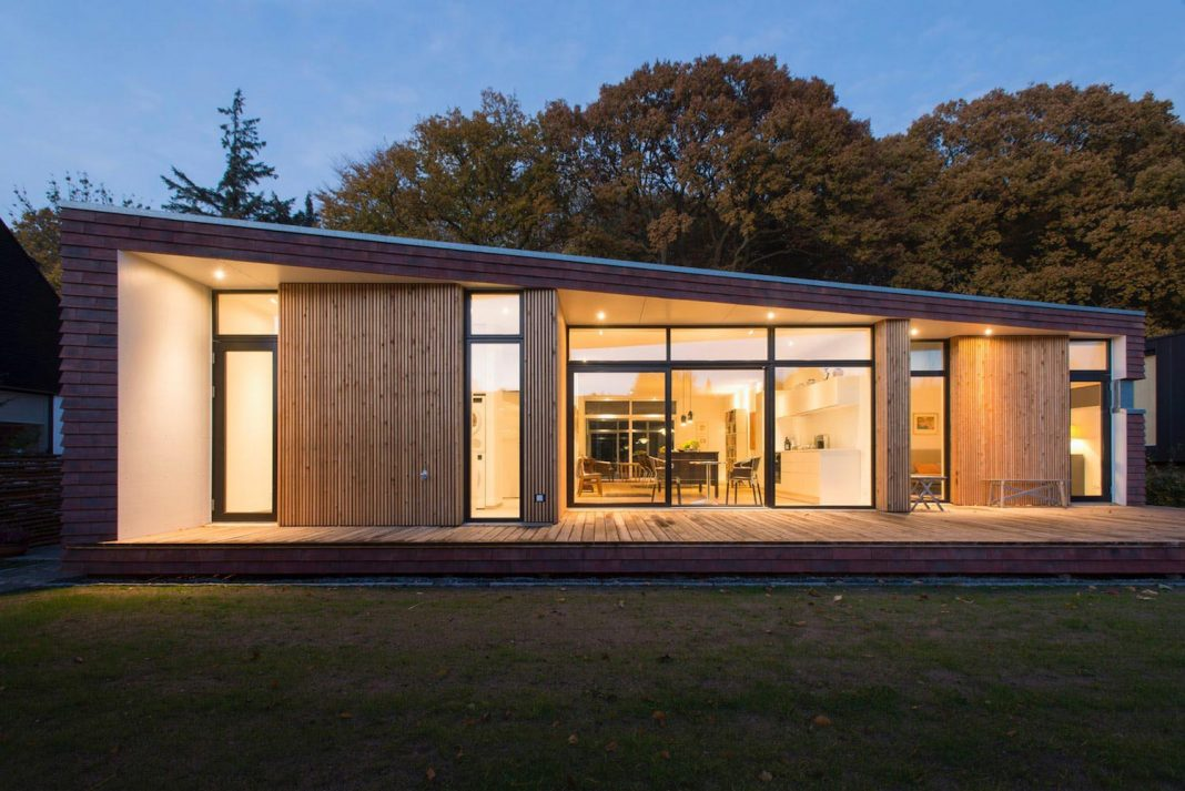 Single-storey villa inspired by the unique site and designed by C.F. Møller Architects