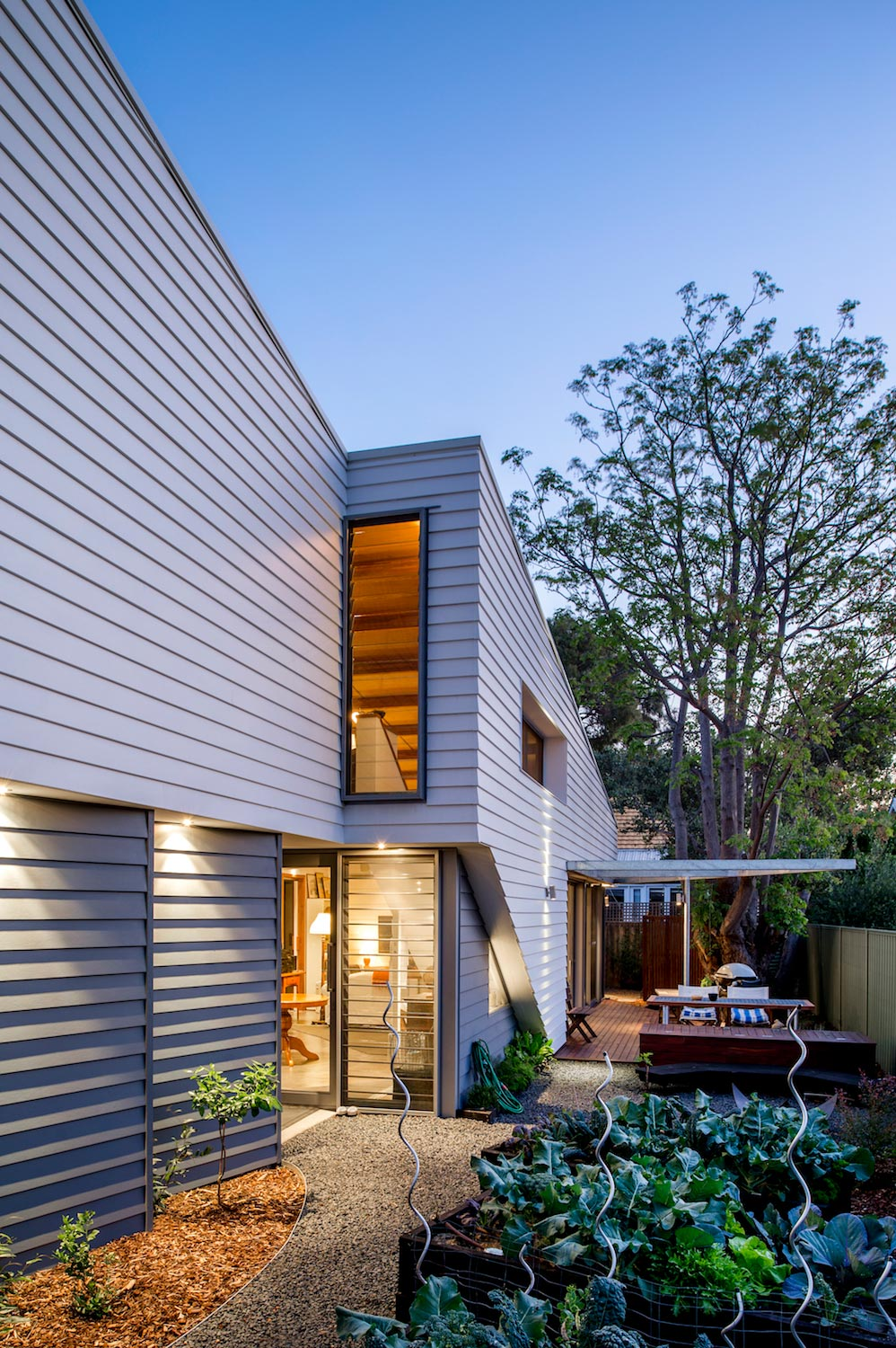 An efficient design and construction techniques to provide open plan living over two levels