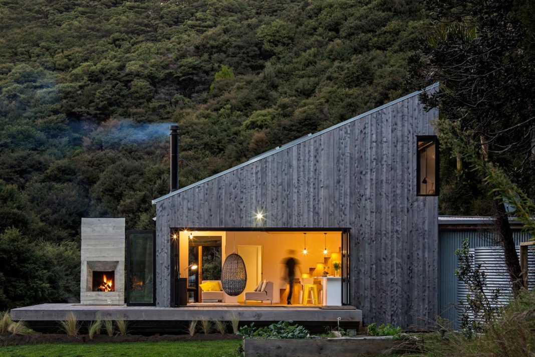 House that plays an uniquely typology of the back country hut with a high level of workmanship
