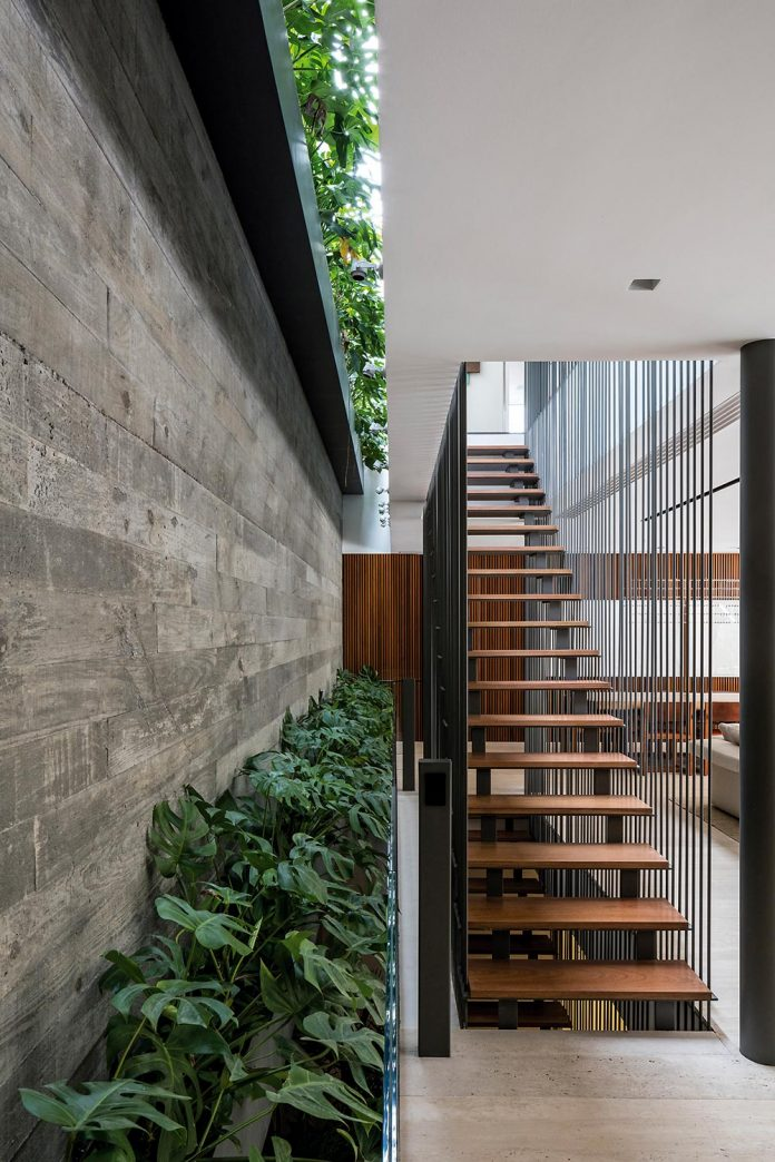 Large Space Where The Boundaries Between Interior And