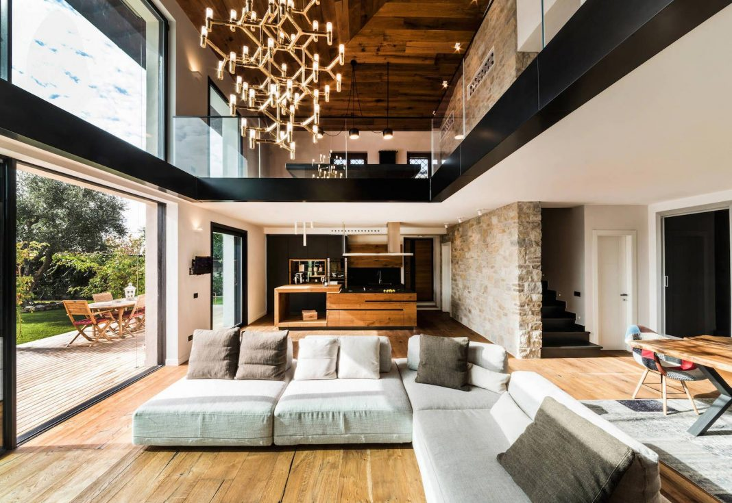 Contemporary Guidonia Montecelio residence designed by Studio ArchSIDE