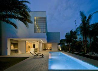 Detached-single family house by Tomás Amat Estudio de Arquitectura