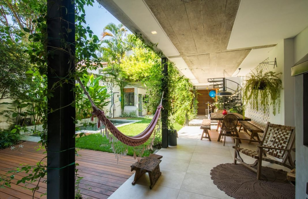 House with natural lighting present in every compartment situated in southern zone of the city of Rio de Janeiro