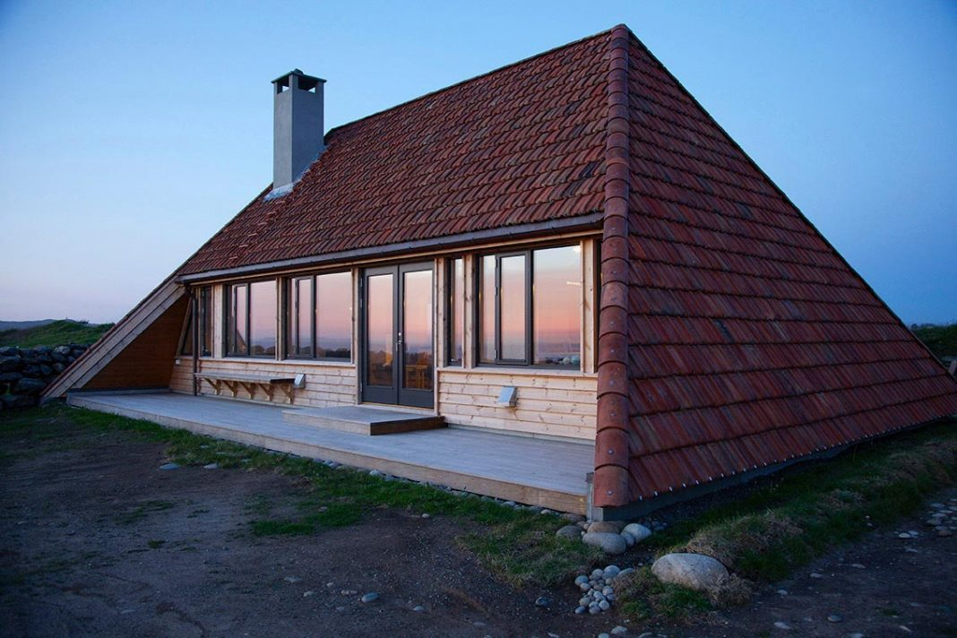 Complete renovation of a fifty-year-old cottage on the southwest coast of Norway