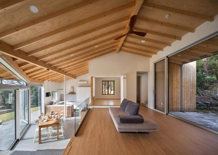 A Contemporary Home Which Incorporates Elements From Korean Traditional Residences By Guga Urban Architecture Caandesign Architecture And Home Design Blog