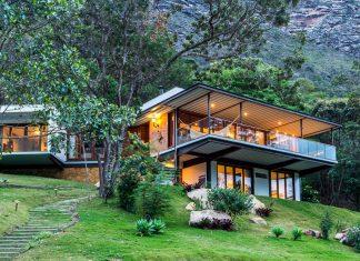 A Crystal in the Chapada Diamantina National Park by G Arquitetura e Urbanismo