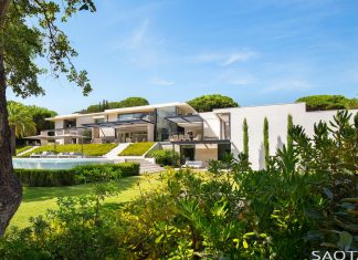 Saint-Tropez residence, a modern interpretation of Côte d'Azur living by SAOTA