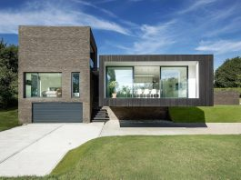 Contemporary Black House designed by by AR Design Studio and inspired by the Sissinghurst Castle Garden