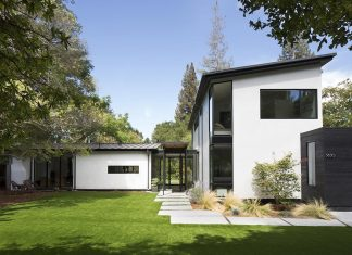 Redesign of an ranch-style home in Palo Alto by Feldman Architecture