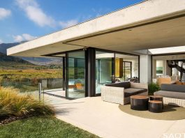 Restio River House: easy living yet sophisticated holiday home in Pringle Bay