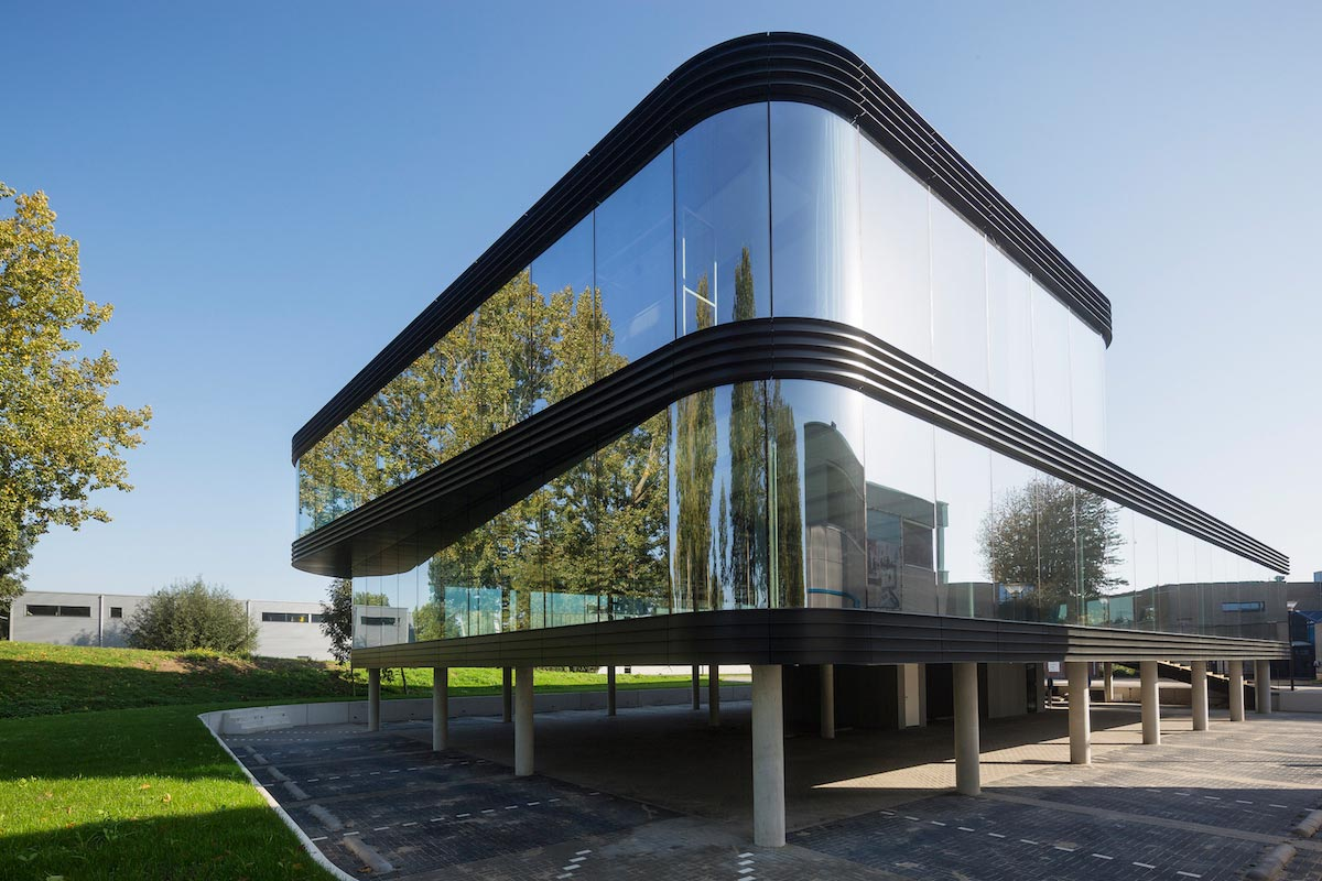 glass facade design office building the curve by a allglass facade maximizes visibility and light penetration of this office building caandesign architecture home design blog
