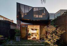 K2 House: Versatile spaces to a bustling home for a young bachelor by FMD Architects