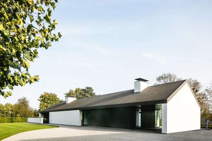 Villa Ntt A Modern Home Design With A Minimalist Landscape Design