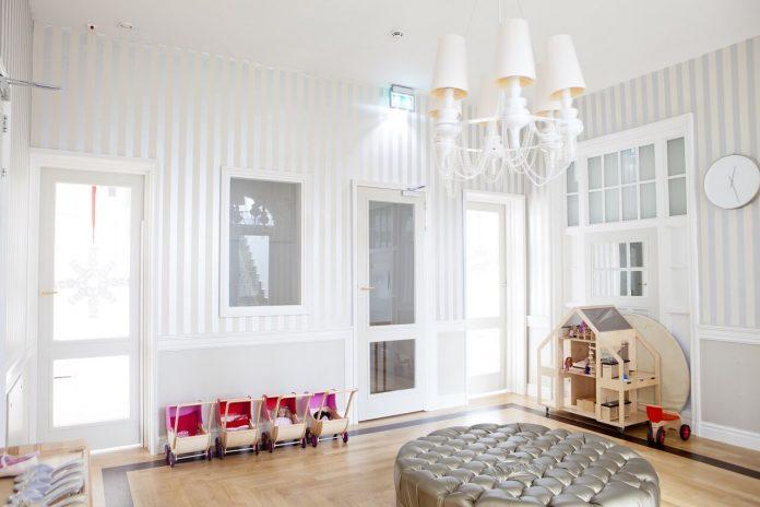 Find your childhood dream furniture at Barnebys!