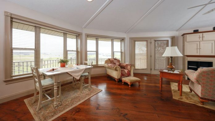Creating a nice contrast and a perfect decoration is possible only with hardwood