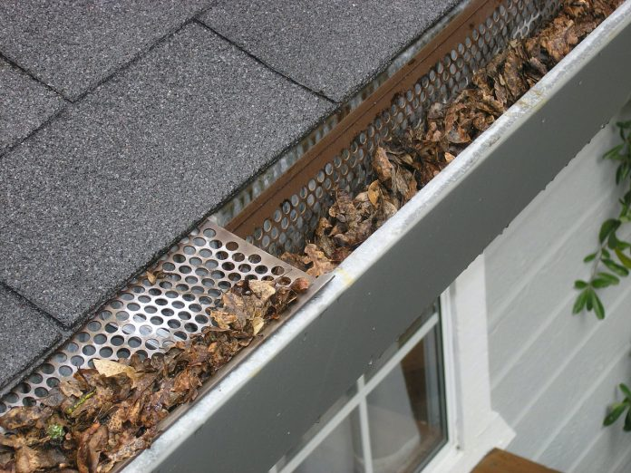 7 Tips on How to Install Rain Gutters