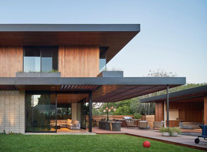 Venice Beach House by Montalba Architects