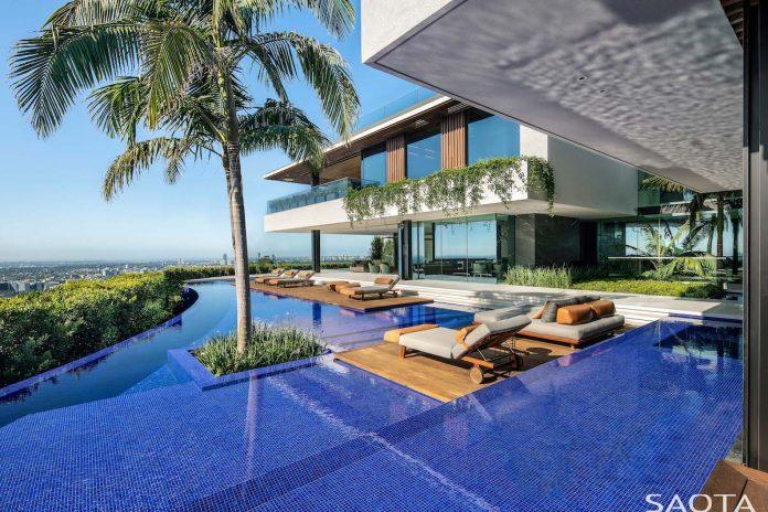Hillside home in Los Angeles swimming pool