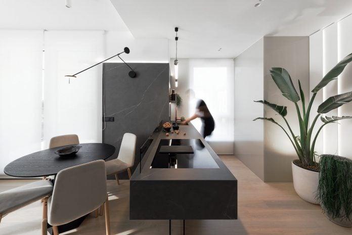 Promenada Contemporary Apartment in Warsaw by hilight.design