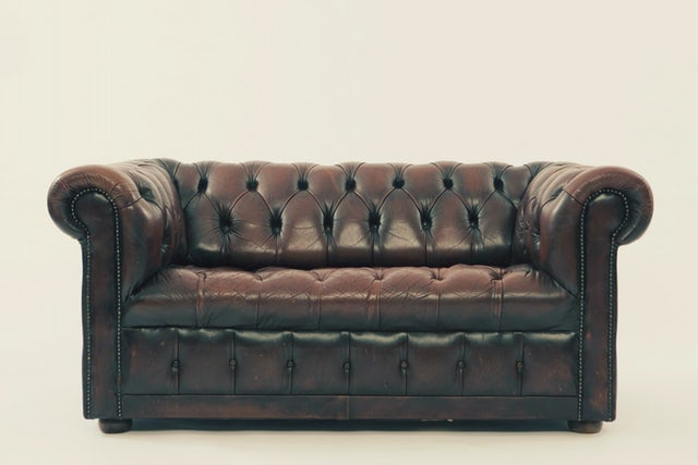 Worldwide tour on the upholstered furniture features