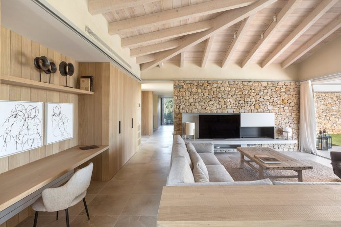 Mediterranean house in Costa Brava by Dom Arquitectura