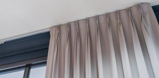 4 Reasons To Replace An Old Curtain Track