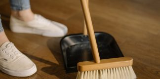 Why a laminate floor is convenient when cleaning
