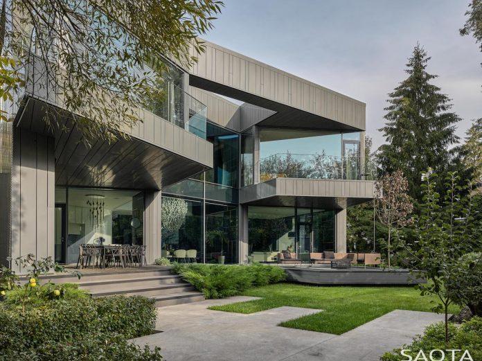 facade silver pine by saota
