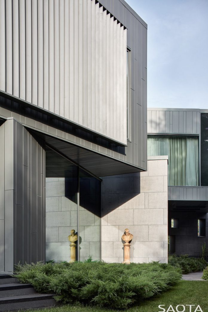 Silver Pine contemporary home