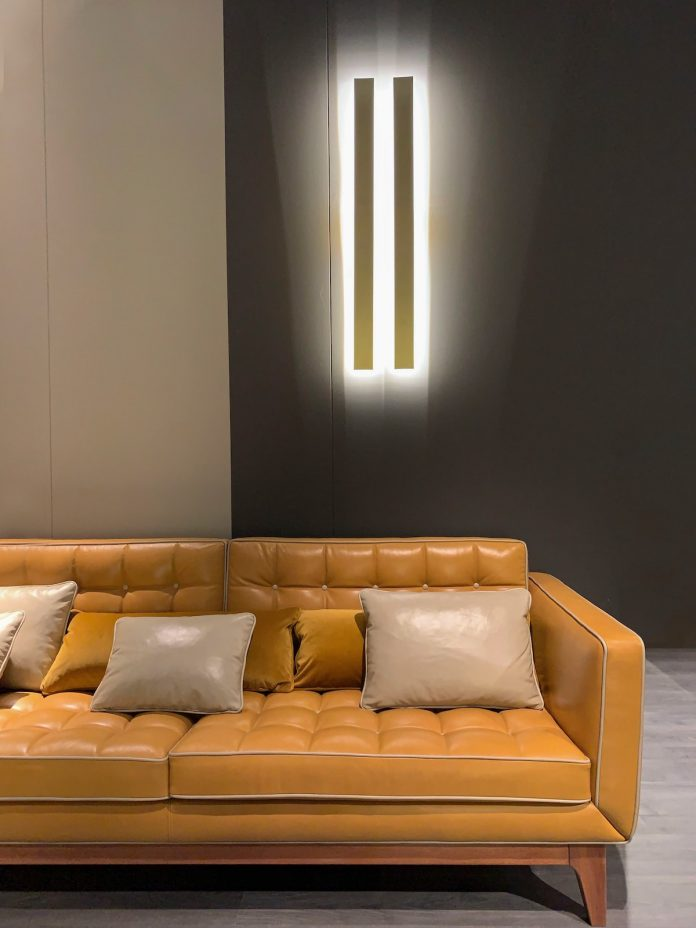 Tips To Help You Select the Best Fabric Sofa for Your Home