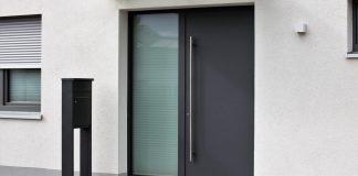 Minimalist front door trends
