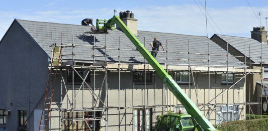 5 Benefits of Hiring a Professionally Trained Roofing Contractor